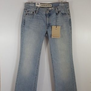 GAP | New Low Rise Bootcut Jeans NWT size 4